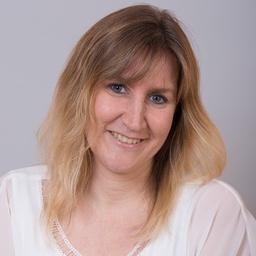 Angela Schmidt (Marketingleitung bei LernQuadrat)